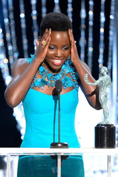 Lupita-Nyongo-Wins-Best-Supporting-Actress-at-2014-SAG-Awards-January-2014-BellaNaija